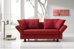 Der neue Klassiker. Das Schlafsofa Malou von Franz Fertig. #malou #franzfertig #sofa #möbel #design #furniture #sofacouture #sofabed #funktionssofa #madeingermany #leather #fabric #interiordesign #luxury #comfort #style