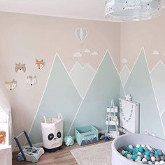 You can do a lot with paint. Design a mountain landscape in kindergarten - Kinderzimmer - Kinderzimmer Ideen Baby Bedroom, Baby Boy Rooms, Little Girl Rooms, Baby Room Decor, Nursery Room, Girls Bedroom, Nursery Furniture, Nursery Ideas, Room Ideas