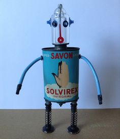 Might have to make one of these with the girls! #upcycle #robot