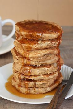 Tea Recipe: Earl Grey Vanilla Tea Pancakes with Honey Tea Syrup (aka London Fog Pancakes) - @Natalie
