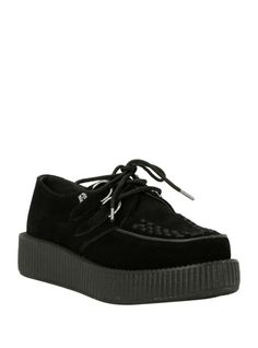 T.U.K.'s new updated Viva creeper sole is lightweight, more flexible and more durable than the previous sole. The midsole is made from high density EVA with a rubber sheet outsole making a pair of Viva creepers up to 1 lb. lighter.
