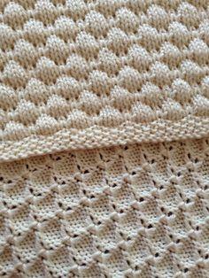 Ravelry: Dean& Blanket pattern by Tree Crispin- free knitting pattern - toca de bebe Knitting Machine Patterns, Knitting Stiches, Knit Patterns, Free Knitting, Baby Knitting, Stitch Patterns, Knitted Baby Blankets, Knitting Projects, Knitting Ideas