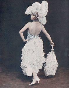 Royals & Aristocrats Historical Photos, Royalty, Singer, History, Windsor, 1920s, Dresses, Drawing, Fashion