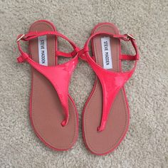Steve Madden Sandals Coral, patent, Steve Madden sandals. Worn once or twice. Great condition. Fits 8-8.5 Steve Madden Shoes Sandals