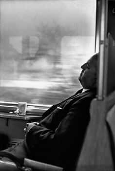 Dans le train entre Zürich et Bâle, 1966 by Henri Cartier Bresson