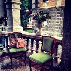 #doca #italia Bag Accessories, Dining Chairs, Around The Worlds, Furniture, Home Decor, Italia, Dinner Chairs, Homemade Home Decor, Dining Chair