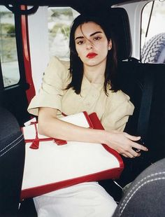 It's reliable advice that Kendall Jenner has rapidly tested herself to be a supermodel-in-the-making. Kendall Jenner Maquillaje, Kendall Y Kylie Jenner, Estilo Kylie Jenner, Kendall Jenner Outfits, Kardashian Jenner, Giorgio Armani, Marc Jacobs, Jenner Family, Covergirl