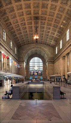 Union Station at 10am on a Sunday.