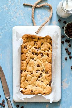 Small Batch Chocolate Chip Cookie Bars in a Loaf Pan - Homemade In The Kitchen - Lula&ChocolateChipCookie Single Serve Desserts, Single Serving Recipes, Small Desserts, Just Desserts, Delicious Desserts, Yummy Food, Brownie Desserts, Healthy Food, Dessert For Two