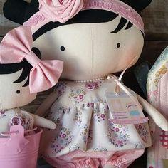 #tildatoybox #sweetheartdoll #quartodebebe #maternidade #mamaes #mamãeebebê #tilda #bonecas #dolls #doll #bonecadepano #ilovetilda #tildatoybox #sweetheartdoll #quartodebebe #maternidade #mamaes #quartodemenina #decoracaoinfantil #decorando #presente #dress #vestidos #vestidosfofos #patchwork