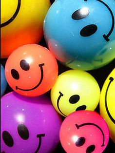 Download free Colorful Smilies Mobile Wallpaper contributed by lowees, Colorful Smilies Mobile Wallpaper is uploaded in Abstract Wallpapers category.
