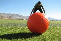 Forced Perspective Photographs Selection (from webneel.com) - XVIII