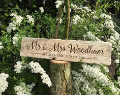 Mr And Mrs Rustic Wooden Sign With Date. Wedding Signs. Rustic Wedding Gifts. Wedding Decor. Gift For Bride And Groom. Gift For Couple