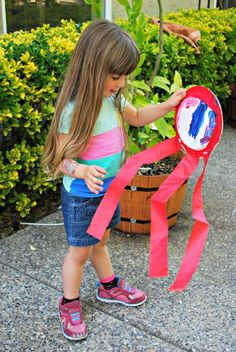 Kid Activities -  Patriotic Shaker: A perfect craft for the Fourth of July