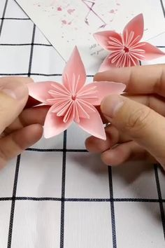 How to Make a Paper Cherry Blossom – Herzlich willkommen Cool Paper Crafts, Paper Flowers Craft, Paper Crafts Origami, Flower Crafts, Origami Flower Bouquet, Diy Crafts Hacks, Diy Crafts For Gifts, Diy Crafts Videos, Creative Crafts