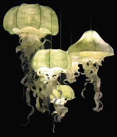 Dale Chihuly style lamps... http://www.geraldinegonzalez.com/
