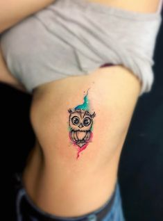 50 of the Most Beautiful Owl Tattoo Designs and Their Meaning for the Nocturnal … - tattoo feminina Baby Owl Tattoos, Cute Owl Tattoo, Owl Tattoo Small, Mom Tattoos, Body Art Tattoos, Small Tattoos, Owl Tattoo Wrist, Tattoos For Lovers, Tattoos For Women