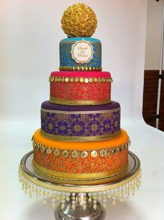Roll out the carpet . a magic carpet … and prepare to transport your wedding guests to an exotic place and time. Think desert oasis or luxurious harem, a la Harem Nights. I just compiled a fantastic for an Arabian inspired cake! Indian Cake, Indian Wedding Cakes, Floral Wedding Cakes, Amazing Wedding Cakes, Wedding Cake Designs, Amazing Cakes, Big Cakes, Fancy Cakes, Cupcakes