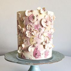 Image may contain: flower Gorgeous Cakes, Pretty Cakes, Cute Cakes, Amazing Cakes, Buttercream Flowers, Buttercream Cake, Cake Piping, Buttercream Decorating, Cake Decorating
