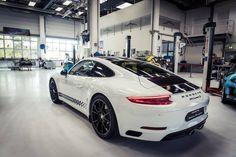 Porsche 911 Carrera S Endurance Racing Edition.