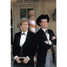 Jack Kelly & James Garner as Bart & Bret Maverick in Maverick Hollywood Actor, Hollywood Stars, Classic Hollywood, Movie Photo, I Movie, Movie Stars, Old Tv Shows, Movies And Tv Shows, Maverick Tv