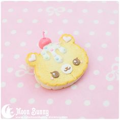 ♥ Cookie beer Brooch ♥ Materials: polymer clay Size of the brooch: 4x4 cm We've made our best to portray the colors of jewelry as accurately as possible, however colors will vary with individual monitors and subject to individual opinion.