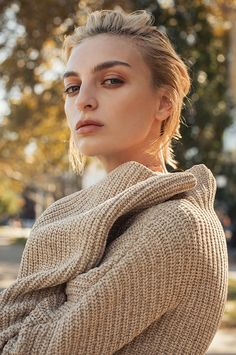 Rose Smith wears ribbed knitwear sweaters and tuxedo inspired coats Pose in Marie Claire Hungary Magazine november 2015 Photoshoot