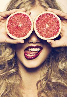 Fructe care ingrasa vs. fructe cu zahar putin. Lista! - Andreea Raicu