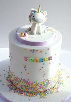 Unicorn First Birthday - Cake by Isabelle's Cake Design