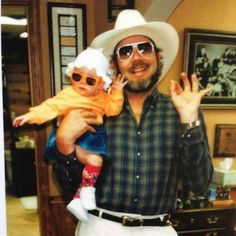 Bocephus with his youngest daughter Katie Williams Good Daddy, My Daddy, All In The Family, Family Love, Country Singers, Country Music, Hank Williams Sr, Outlaw Country, Judy Garland