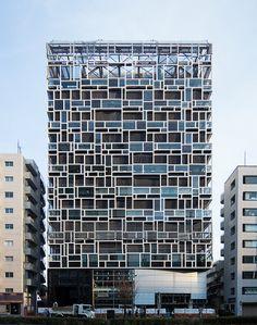 Shin-Aoyama Tokyu Building (新青山東急ビル) / Architect : Nikken Sekkei, Kajima Corporation (設計:日建設計、鹿島建設)