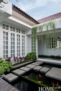 Home.co.id | Garden: Menghijaukan Ruang Koridor