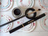MAC Fluidline Eyeliner Gel in Blacktrack - my fav eyeliner! Love it! See the review on beauty-reviews.net Gel Eyeliner, Beauty Review, Mac, Nails, Tableware, Makeup, Finger Nails, Make Up, Dinnerware