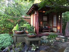Japanese garden landscape with quiet charisma A 400 square meter plot offers en. Japanese Garden Backyard, Japanese Garden Landscape, Japanese Garden Design, Village House Design, Tiny House Design, Modern House Design, Zen Design, Japanese Shrine, Japanese Sauna