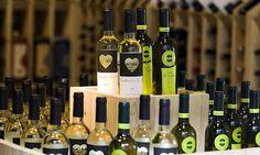VINO Y BODEGAS: Bodegas Rías Baixas y la familia de Iniesta promocionan sus vinos en Brasil