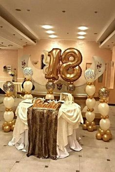 Gold and white party! Birthday Goals, 18th Birthday Party, Birthday Bash, Birthday Celebration, Birthday Ideas, Surprise Birthday, Balloon Decorations, Birthday Party Decorations, Golden Birthday