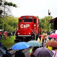 12 septembre 2015 / September 12, 2015 / Parade des Locomotives Diesels-électriques / The Parade of Diesel-electric Locomotives / exporail.org #exporail #locomotives #trains #Familyactivities #sorties #famille #musée #museum #railfans #railway #railroads #railroadphotography #CN #CP #VIA #AMT #parade