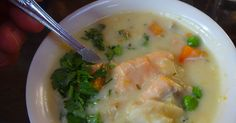 Slow Cooker Seafood Chowder :http://recipes4slowcooker.com/slow-cooker-seafood-chowder/