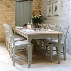 Country kitchen dining tables kitchen dining modern country style farrow and ball shaded white with pigeon Farmhouse Dining Room Table, Dining Table Design, Farmhouse Style Kitchen, Rustic Farmhouse, Dining Rooms, Dining Set, Kitchen Wood, Kitchen Tables, Long Kitchen