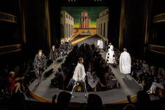 Karl Lagerfeld's first couture collection for Fendi, set against a de Chirico backdrop at the Theatre des Champs-Elysees Couture 2015, Couture Week, Haute Couture Fashion, Fashion Week 2015, New Fashion Trends, Runway Fashion, Circle Fashion, Champs Elysees, Couture Collection