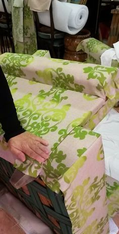 Diy Headboards, Love Sewing, Home Reno, My Dream Home, Slipcovers, The Hamptons, Upholstery, Household, Diy Crafts
