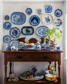 blue and white decor. blue and white china. blue and white plates on the wall. Hanging Plates, Plates On Wall, Plate Wall, Blue And White China, Blue China, White Plates, Blue Plates, Wall Decor, Room Decor