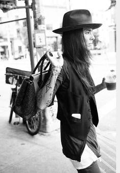 Sombreros en invierno y verano! Protegen del sol, abrigan del frío y dan un toque personal a tu estilo.