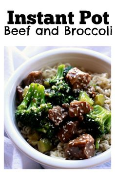 Instant Pot Beef and Broccoli–tender pieces of beef are served alongside broccoli and a savory and slightly sweet Asian sauce for a homemade version of your favorite Chinese takeout dish. Slow Cooker Beef, Slow Cooker Recipes, Cooking Recipes, Crockpot Meals, Healthy Pressure Cooker Recipes, Rice Cooker, Instant Pot Pressure Cooker, Pressure Cooking, Pressure Pot