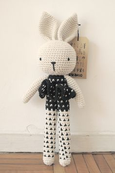 Crochet long legged bunny. (Inspiration). ♥