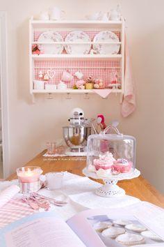 cucina piattaia stenstorp ikea con tessuto rosa