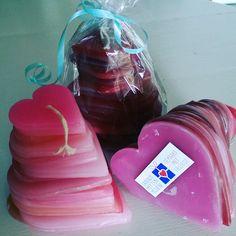 Stapelhart kaarsen gemaakt en ingepakt voor vrijwilligers van een hospice in Zeeland.