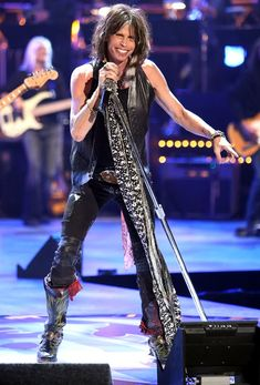Ever since American Idol, I've liked Steven Tyler Steven Taylor Aerosmith, Aerosmith Live, Tyler Aerosmith, Elvis Presley, Rock And Roll, Elevator Music, Joe Perry, Russell Brand, American Idol