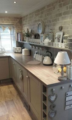 30 The Best Traditional Farmhouse Style Kitchen Decor Ideas Achieve this look with Glen-Gery! Visit www.glengery.com explore our products!