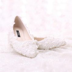 (79.06$)  Watch here - http://aienm.worlditems.win/all/product.php?id=32704931104 - Sweet Lace Bridal Shoes Bouquet Wedding Party Dress Shoes 2016 Latest Beautiful Women Shoes  Flat Heel White Pearl shoes